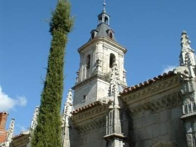 Monasterio de Santa María de El Paular; hacer senderismo en madrid; vacaciones senderismo